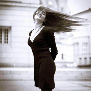 Portrait der Künstlerin Natalia Krekou auf Kombinat Lump